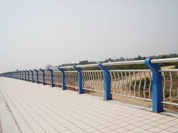 湘潭防撞贝博官网网址生产厂家